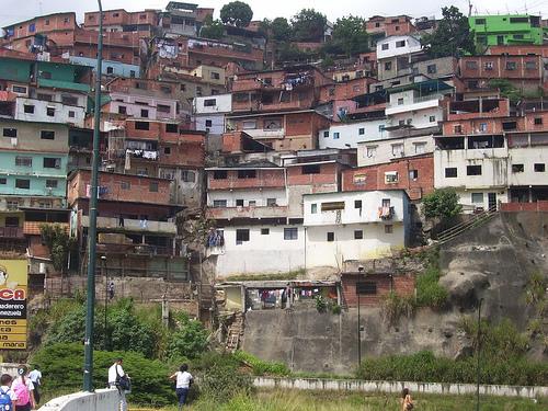 Venezuelana in cam si prende cura del compagno della rumena - 3 8
